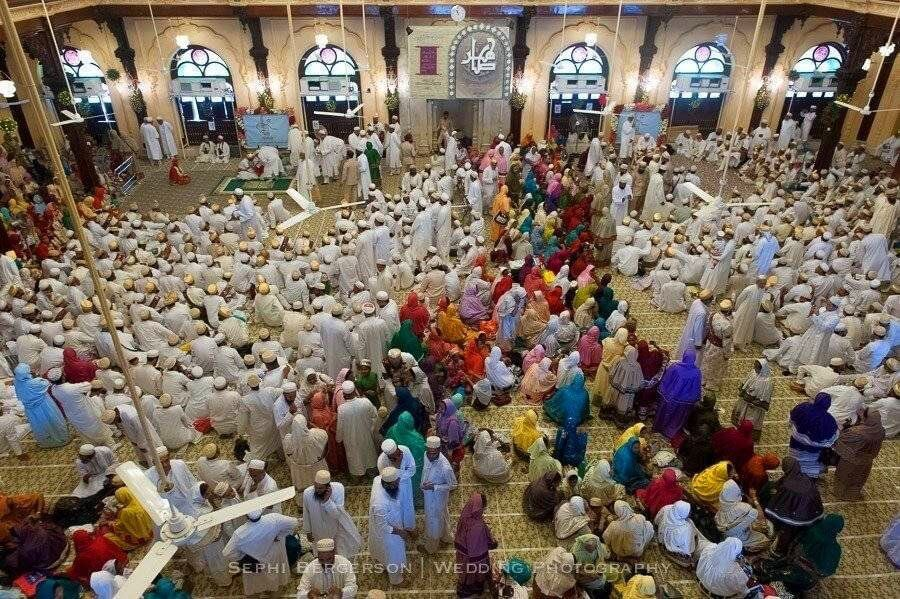 A Dawoodi Bhora mass wedding in Mumbai